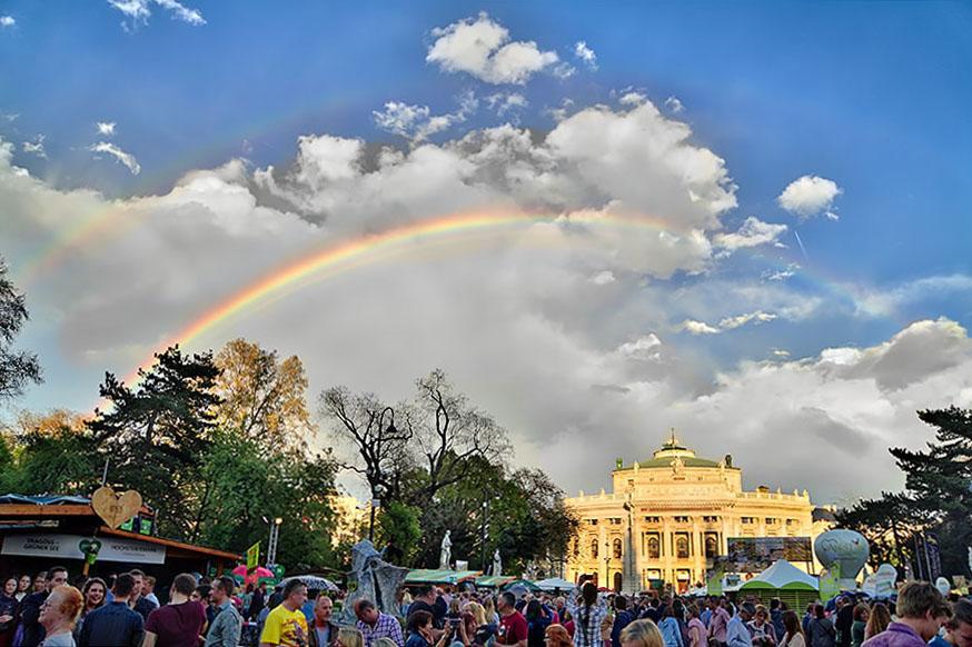 Regenbogen_Burgtheater size2