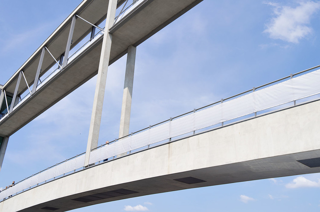 Berlin Brücke size