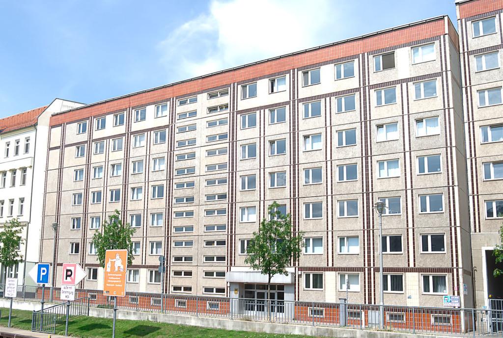 tenement-berlin-size